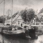Elternhaus mit Kanal und 2 Schiffen